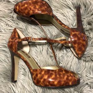 Nine West tortoise peep toe heels size 7